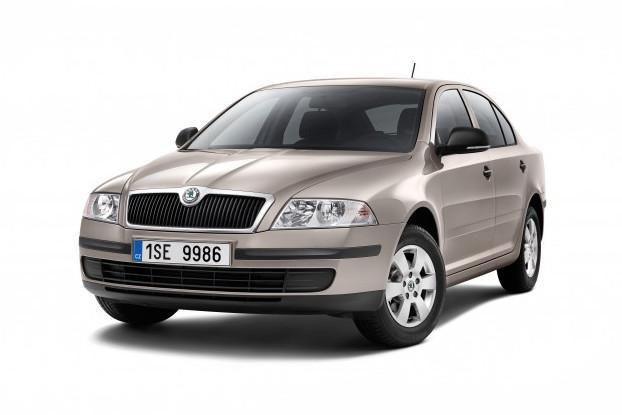 AKCIA: Škoda Octavia II. 1.9TDI (77kw) - sada oleja a filtrov (originálneho olej VAG a filtre MANN)